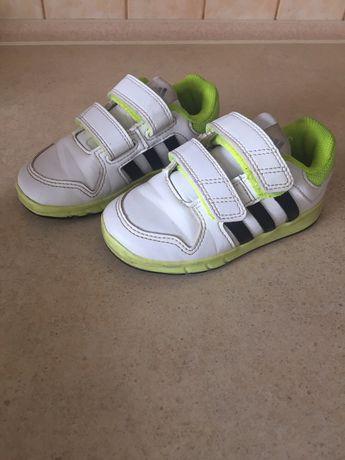 Buty sportowe Adidas 25 chłopięce wiosenne lekkie