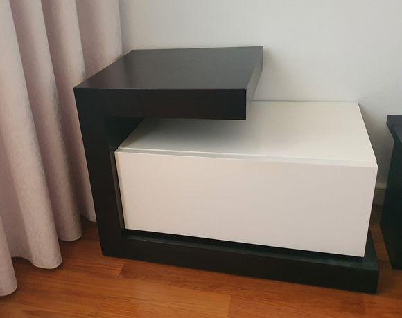 Conjunto 2 mesas de cabeceira com gavetão