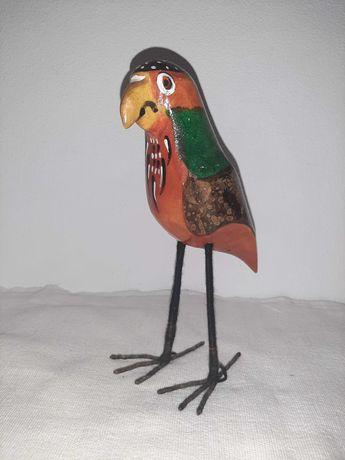 Papagaio de madeira