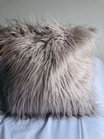 Almofada decorativa em pêlo