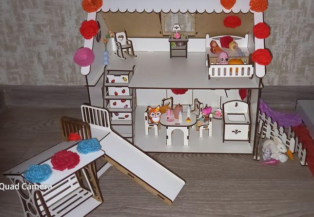 Деревянный домик для маленьких кукол типа LOL