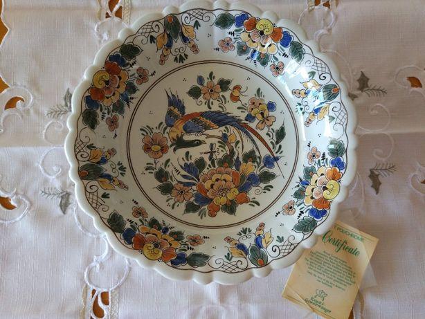 Fruteira / Prato decorativo / Royal Delft Polychrome / Pintado a mão