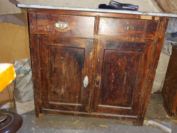 Stara szafka do renowacji .