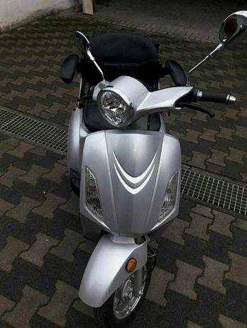 Pojazd elektryczny Nova Motors »Bendi« Trzykołowy skuter