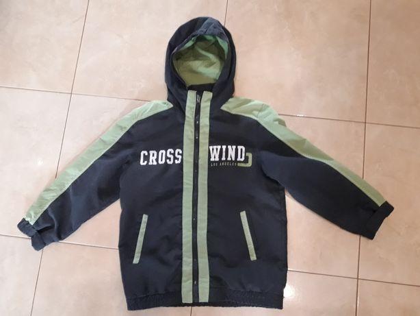 Takko przejściowa kurtka dla chłopca w rozmiarze 128.