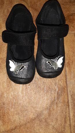 Продам текстильные туфельки 30р. (19см) можно для садика