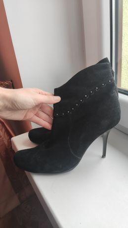 Замшеві черевички 41 р