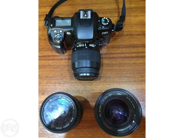 Máquina fotográfica Nikon F60 + 2 lentes + grande angular