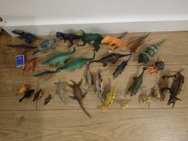 Zestaw dinozaurów figurki triceratops, allozaur, stegozaur +szkielety