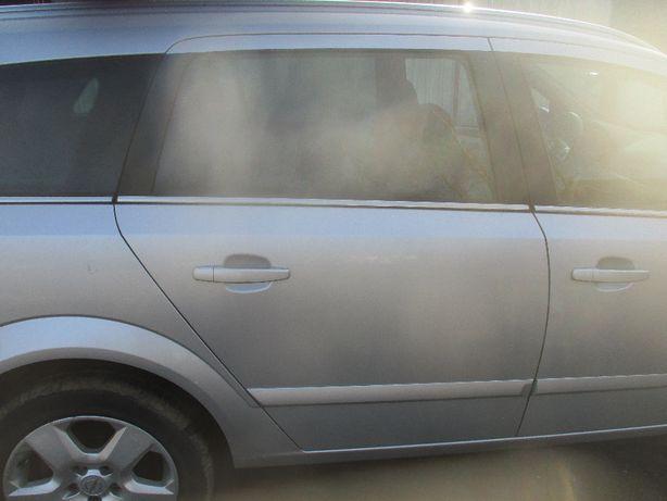 Opel Astra III H drzwi prwe przednie tylne Z176 2 sztuki komplet