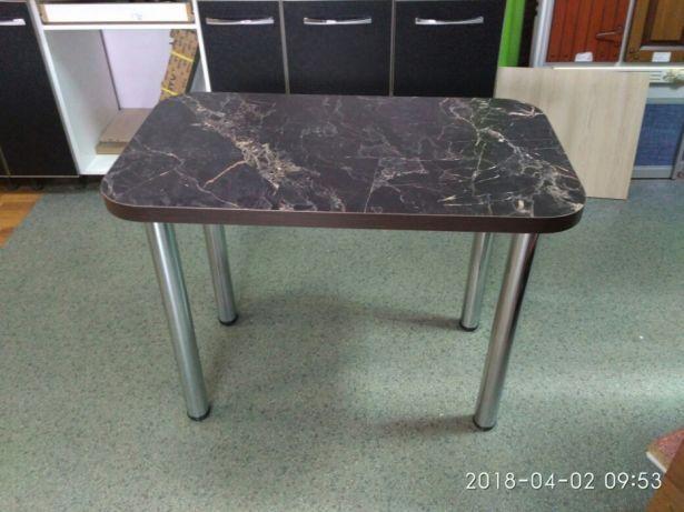 Стол кухонный из столешниц