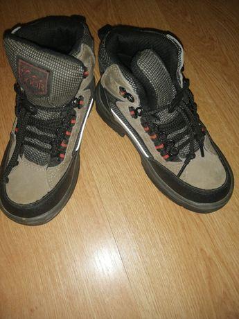 Зимние ботинки на мальчика 28р
