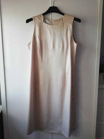 Sukienka w odcieniu złota