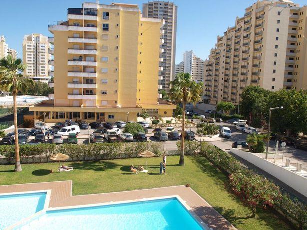 T2 Duplex Férias Praia da Rocha Garagem e Piscina