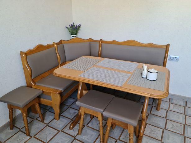 Кухонний куток,стіл і табуретки 3шт