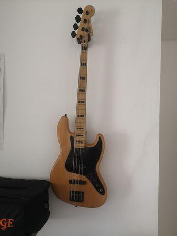 Squier Jazz Bass c/upgrades