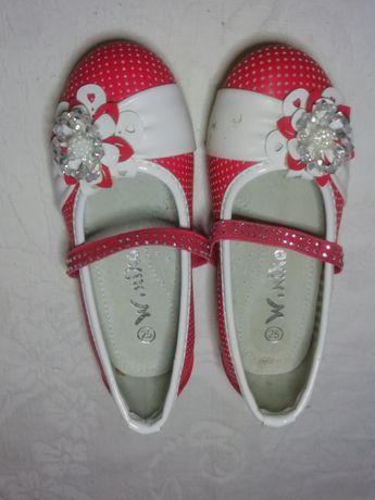 Туфлі для дівчинки. Туфли для девочки.