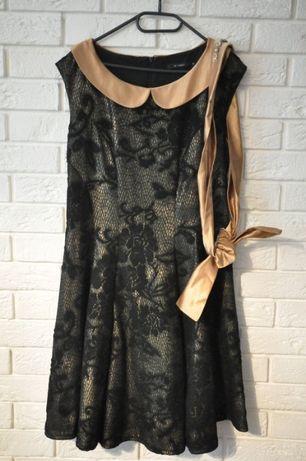 Sukienka Monnari złocista elegancka koronkowa z kołnierzykiem