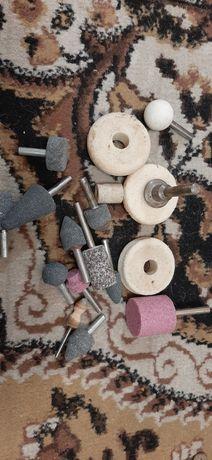 Фрезы по металлу и каменные, болтики, шурупы, гайки, винты и т.п.