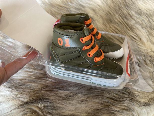 Buciki Nowe butki botki niechodki 12-18 miesiecy khaki adidaski