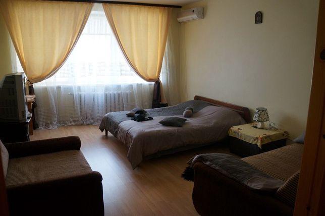 Посуточная аренда квартир.1-к,м.Позняки,Гришко 9