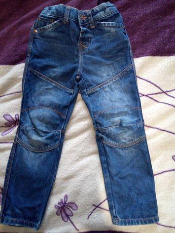 Джинсы, штаны, брюки на 4-5 лет