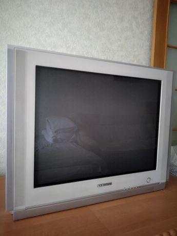 Большой телевизор SAMSUNG в идеальном состоянии 130 WATTS