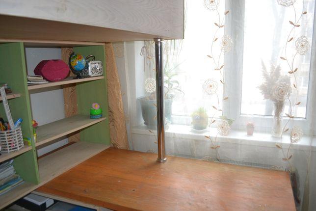 продам мебель в детскую: кровать с лесницей, шкаф, стол, ящики