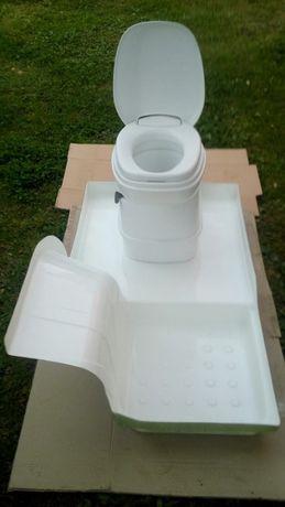 Toaleta THETFORD C -200 obrotowa z nowym brodzikiem do kampera