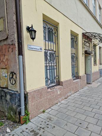 Оренда приміщення вул.Замарстинівська 86 фасадний вхід ВЛАСНИК
