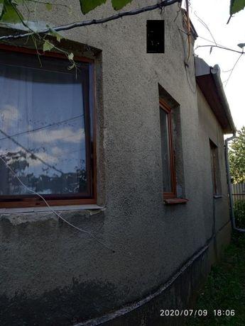 Продається 3-кімнатний цегляний будинок, районі вул.Сурикова.