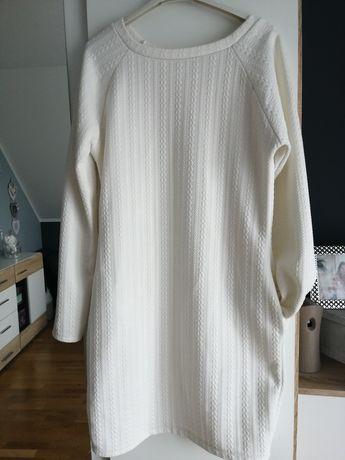 Biała sukienka ciążowa