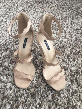 Sandałki na szpilce 35r
