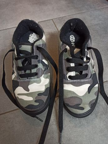 Buty na kółkach butorolki Heelys moro rozmiar 32 19 cm