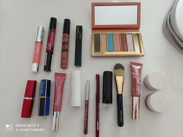 Conjunto de makeup para desocupar