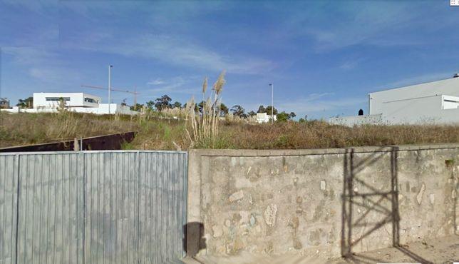 Terreno para moradia de 4 frentes em Vila do Conde