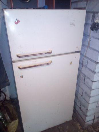 Холодильник Юрюзань.