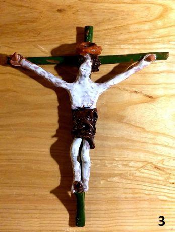 Vendo 4 crucifixos em terracota