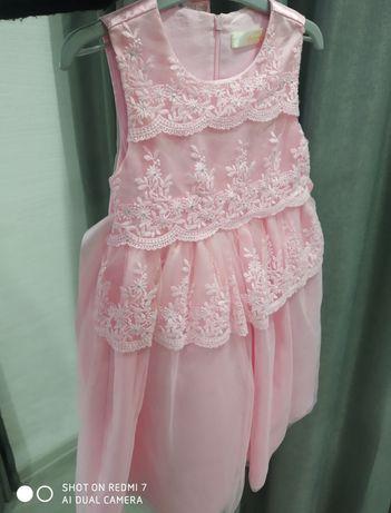 Качественное ,нарядное,очень красивое платье