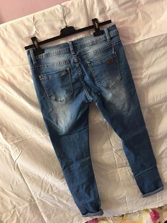 Жіночі джинси скінні з порізами