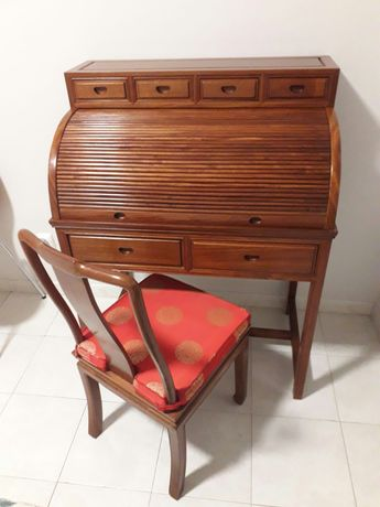 Secretaria e cadeira Chinesa