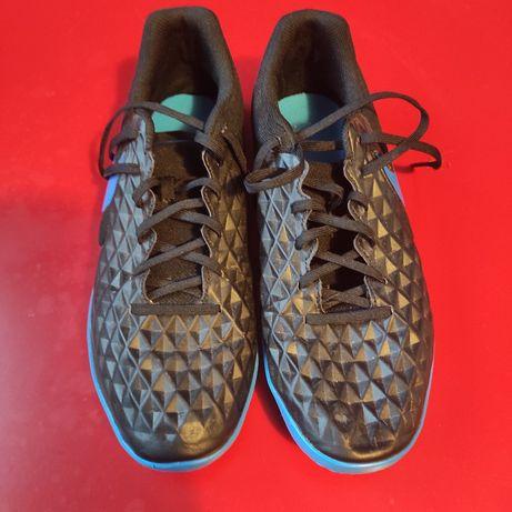 Sapatilhas Futsal Nike Tiempo