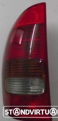 Farolim Trás Esqº. Opel Corsa B 2 portas 1993 a 2002 - Usado