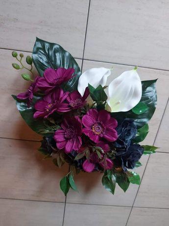Stroik, kompozycja kwiatowa, wiązanka na grób