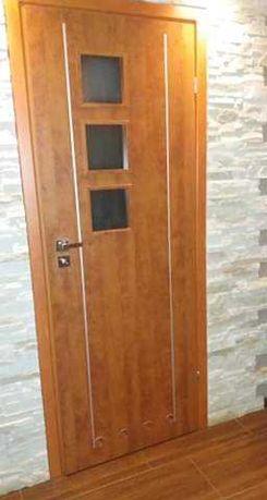 Sprzedam drzwi z futryna