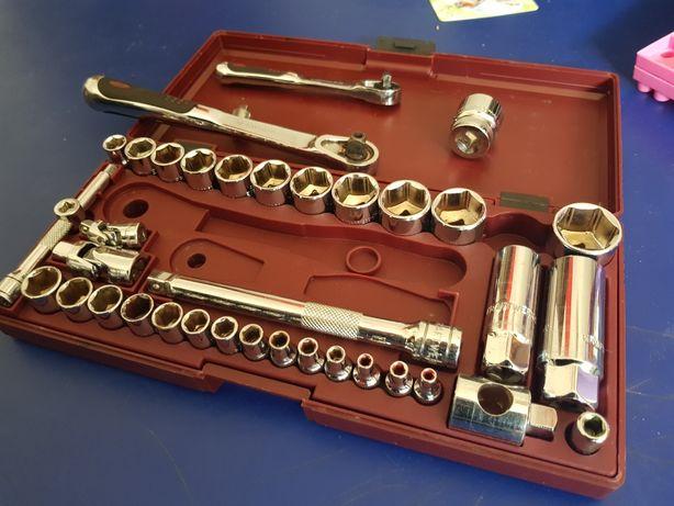 Roquete / kraftwerk / chaves caixa