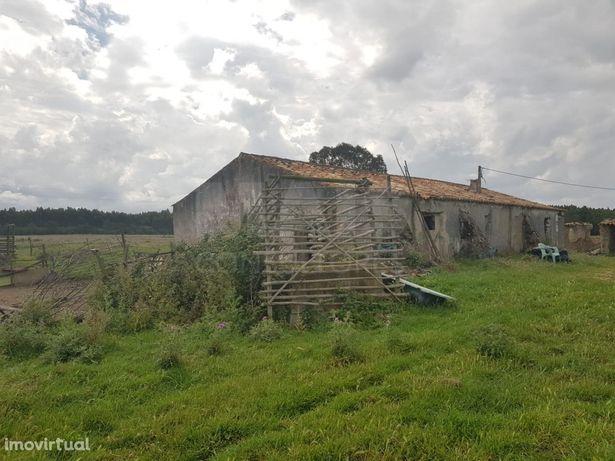 Terreno com ruínas em Odeceixe