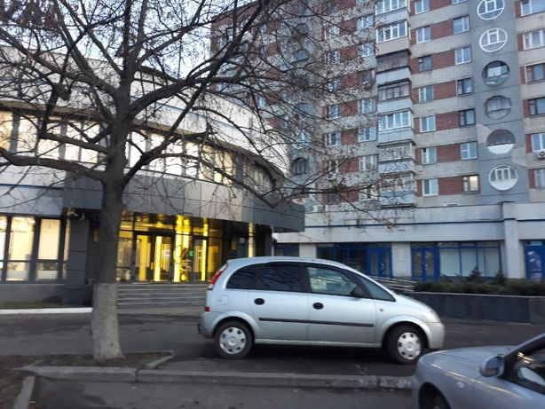 Район Круг, 107 м.кв., продажа помещения свободного назначения,фасад