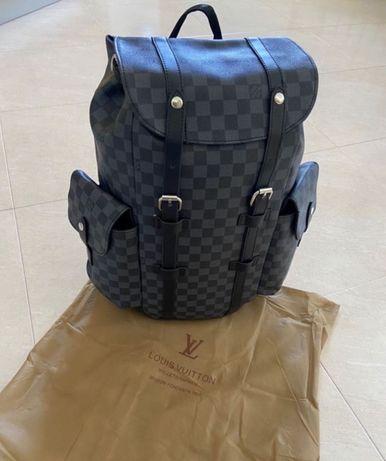 Mochila Grande Louis Vuitton em Couro - Novo Preço
