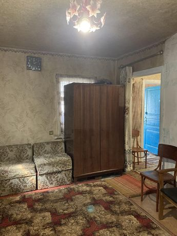 Продаю уютный домик г.Мерефа тихий центр 18соток